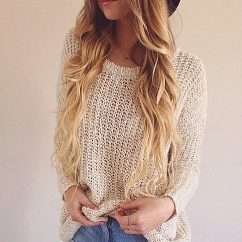 Девушки в модных свитера фото