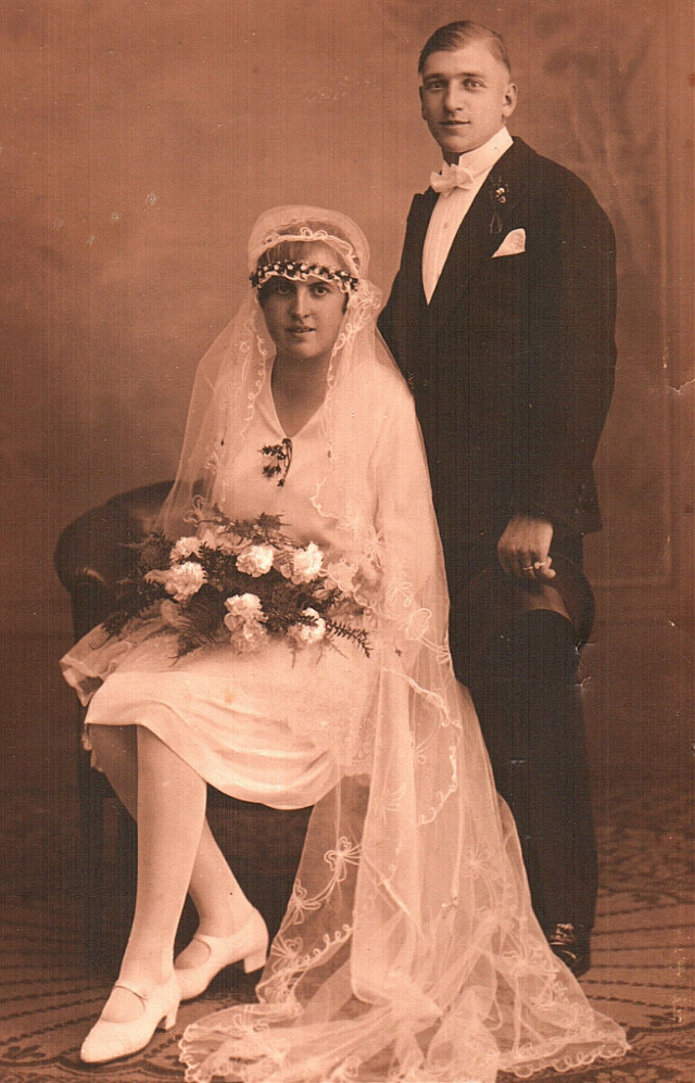 #weddingday  my mom's parents  (to all racingsport fans: take a close look at my grandma, then maybe you can guess, who she's related to)