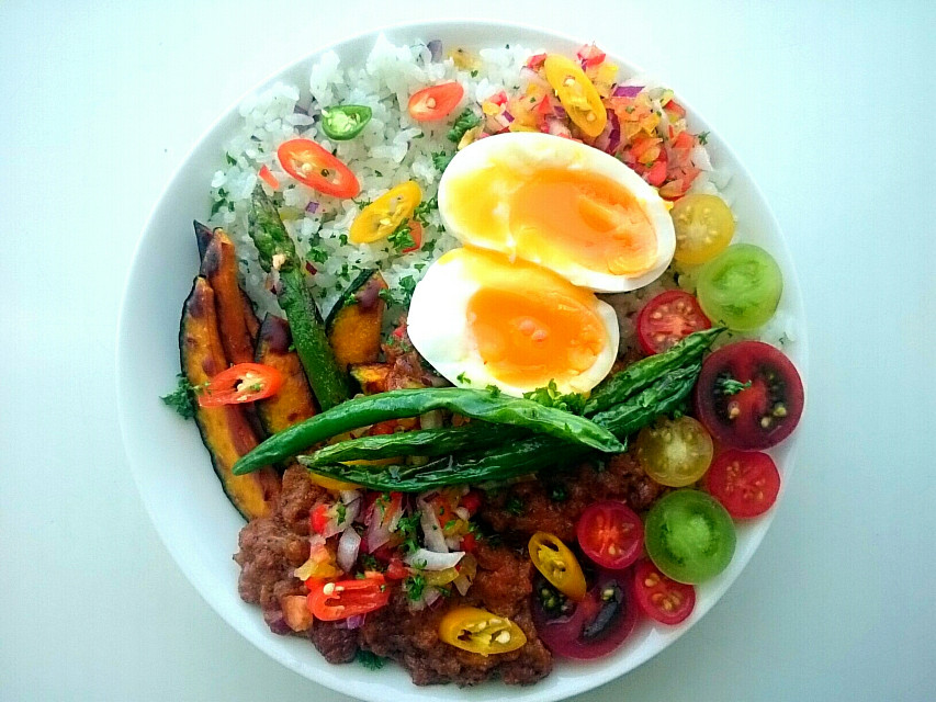 Very colorful vegetable curry Organic and Diet: http://youtu.be/LSrmd5OWKis  #diet #organic #vegetable #colorful #yummyfood